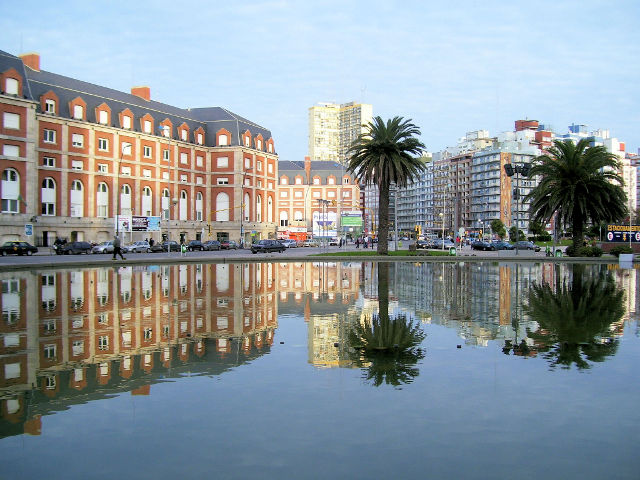 plaza-colon-mar-del-plata-argentina
